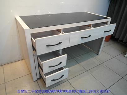 二手書桌二手雪松色145公分黑玻璃三抽電腦桌附活動櫃書桌寫字桌 3