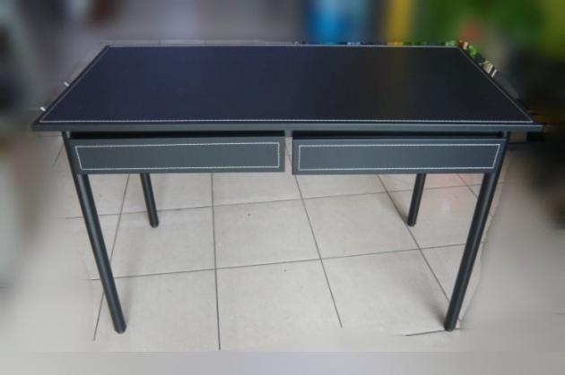 全新庫存時尚黑書桌 馬鞍皮寫字桌有抽屜 黑色皮面辦公桌電腦桌 2抽工作桌 1