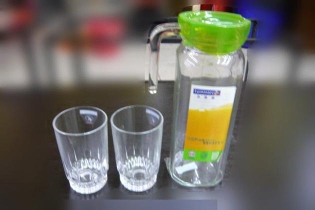 二手樂美雅冷水壺 玻璃水壺 果汁壺 夏天飲料壺附杯子 冷藏水壺 3