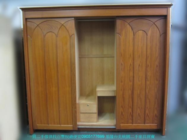二手柚木色245公分三門推門大衣櫃 中古衣櫥 櫥櫃 收納櫃 置物櫃 邊櫃 儲物櫃 3