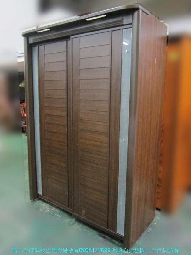 二手胡桃色153公分推門衣櫃 全身鏡 中古櫥櫃 儲櫃 收納櫃 置物櫃 儲物櫃 2