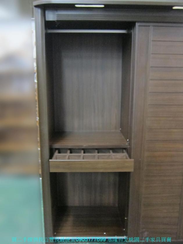 二手胡桃色153公分推門衣櫃 全身鏡 中古櫥櫃 儲櫃 收納櫃 置物櫃 儲物櫃 4