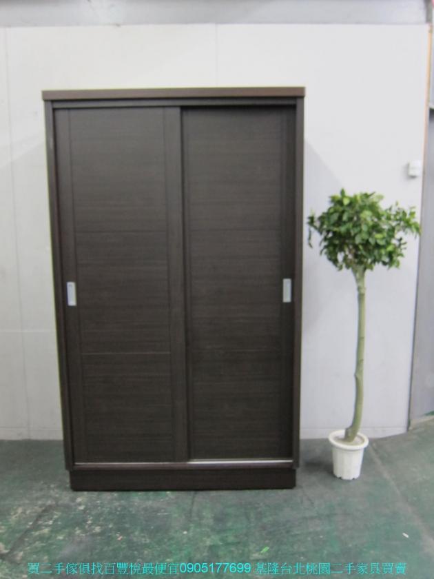 二手胡桃色124公分推門衣櫃 中古套房衣櫃 衣櫥 收納櫃 置物櫃 儲物櫃 櫥櫃 1