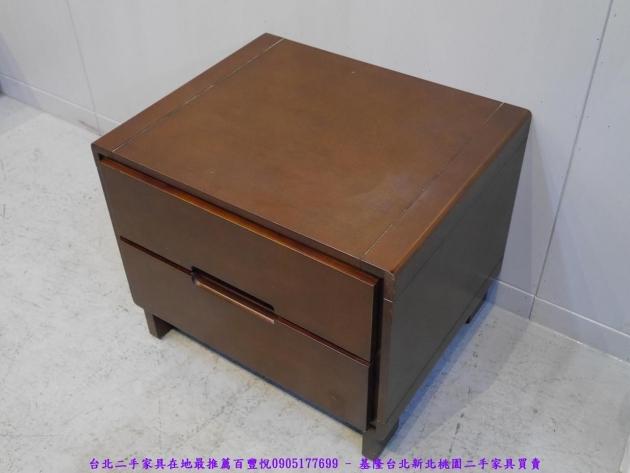 二手胡桃色56公分雙抽床邊櫃 置物收納櫃 抽屜櫃 儲物櫃 房間櫃 床頭櫃 邊櫃 2